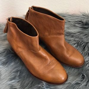 Toms Leila Carpe Diem Leather Bootie Sz 9.5 Brown